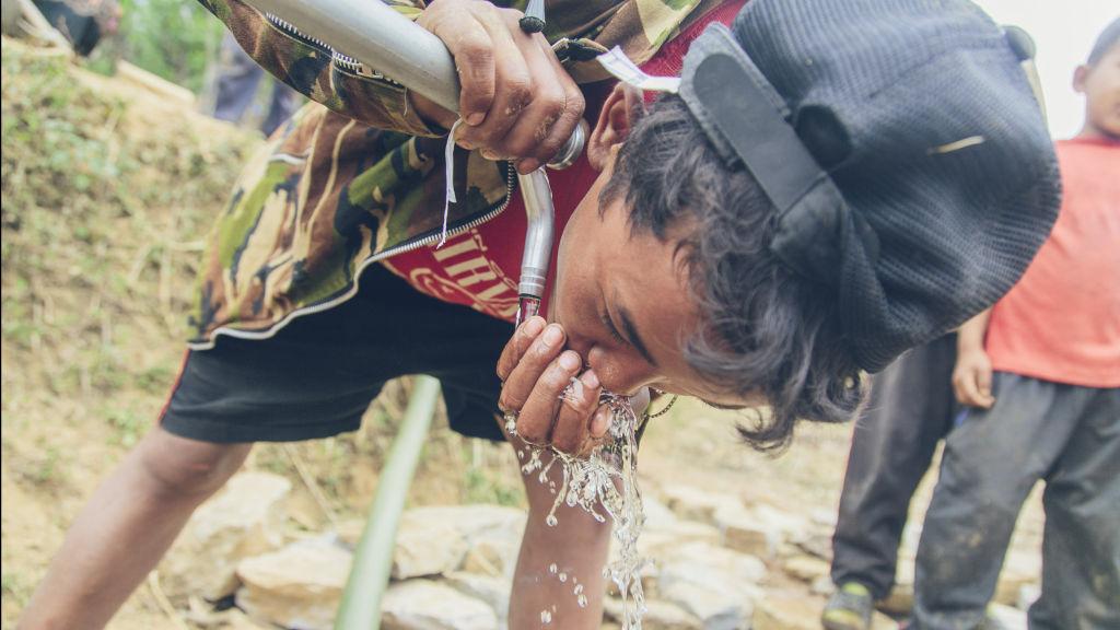 Pokhari boy drinks safe water | Nepal Earthquake