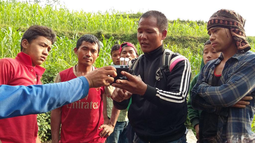 Suk teaching Keura   Nepal Earthquake