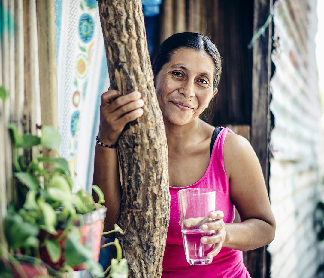 Hortencia Tomas Perez, 32, and family. Water Mission - El Encanto, Mexico 2016